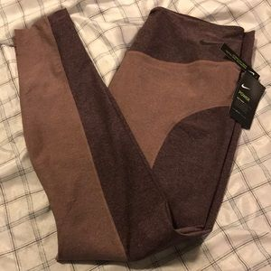 NWT Nike Yoga/Active Pants